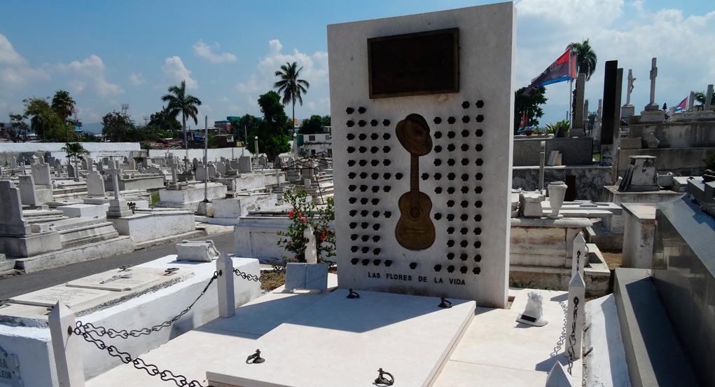 Tumba de Compay Segundo en La Habana