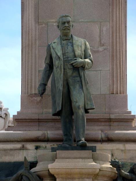 Monumento José Miguel Gómez