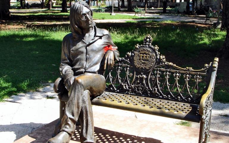 Estatua John Lennon en La Habana