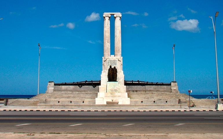 Monumento víctimas Maine